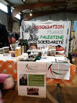 stand TPLS au marché de la solidarité internationale, Betton 2014